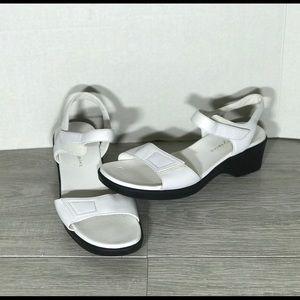 Easy spirit wedge sandal white leather size 8 M